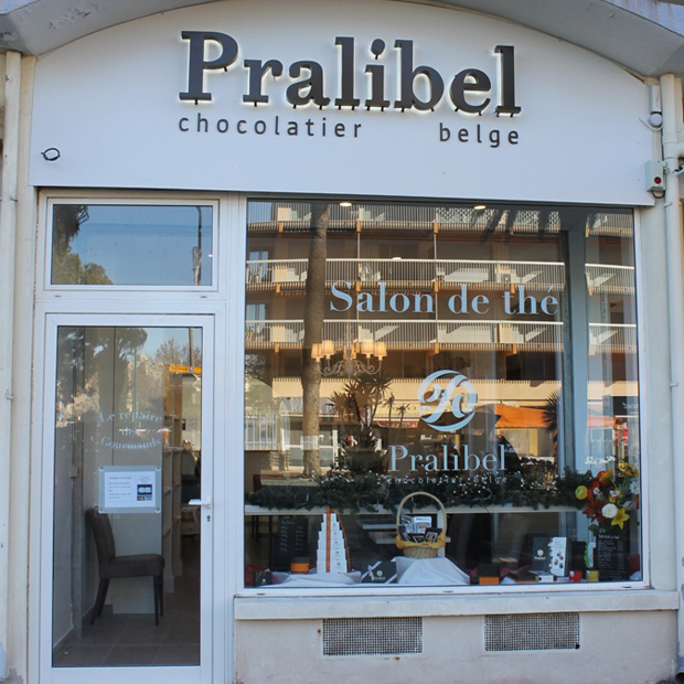 Pralibel-shop-le-lavandou-outside