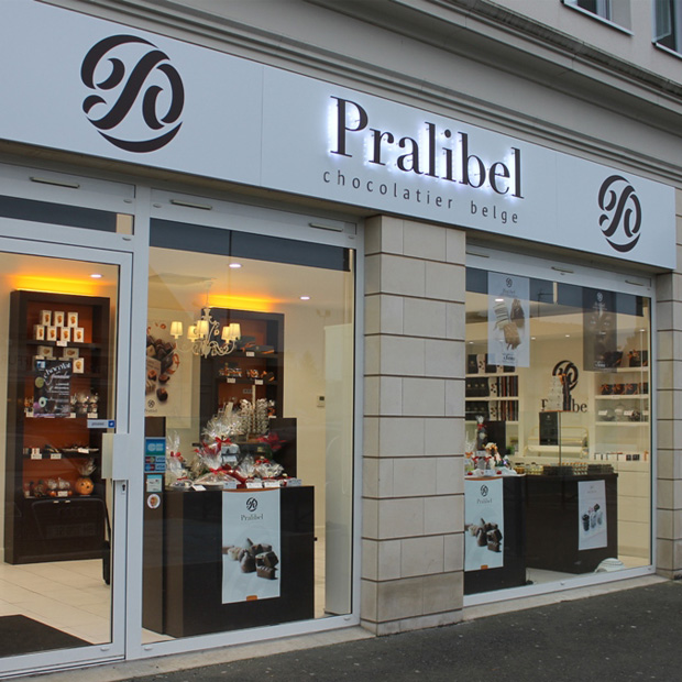 Pralibel-shop-luce-outside