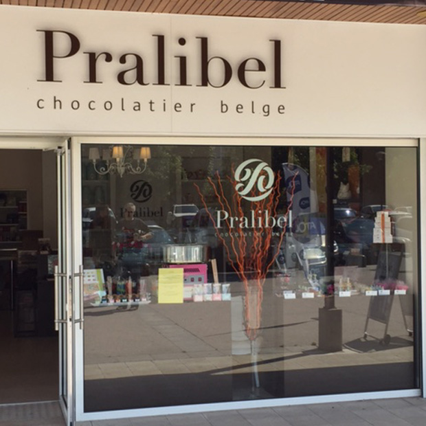 Pralibel-shop-velizy-outside
